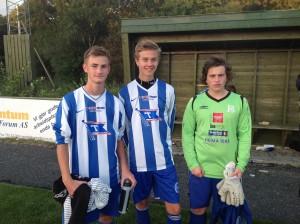 Guttespillerne Jardar, Tobias og Kevin debuterte for juniorlaget.