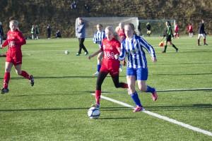Regine Klausmark i duell (foto: Lars Solbakk)