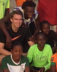 Marius besøkte fotballklubb i Zambia