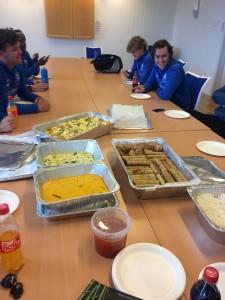BIL-spillerne fikk servert mat fra Thanita Thaimat etter kampen