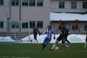 Aleksander Pedersen i duell med Kay Rune Edvardsen