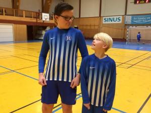 Oliver Monsen (9) ser opp til lagkamerat Ludvik Sæthre (14) hos Juventus