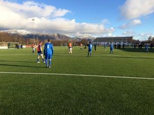 Strålende vær på Brønnøy Stadion